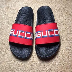 0e3fa5cbaf0c Gucci Shoes - Mens Gucci Stripe Rubber Slide Sandal